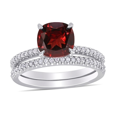 8 0mm Cushion Cut Garnet And 1 4 Ct T W Diamond Bridal Set In